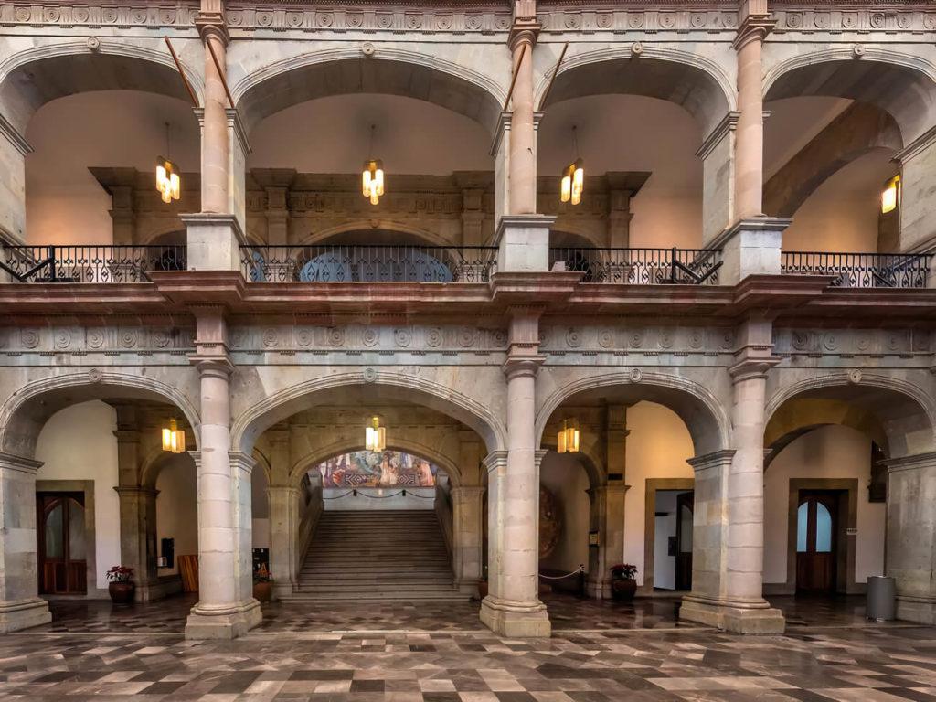 Patio interior en el Palacio de Gobierno de Oaxaca